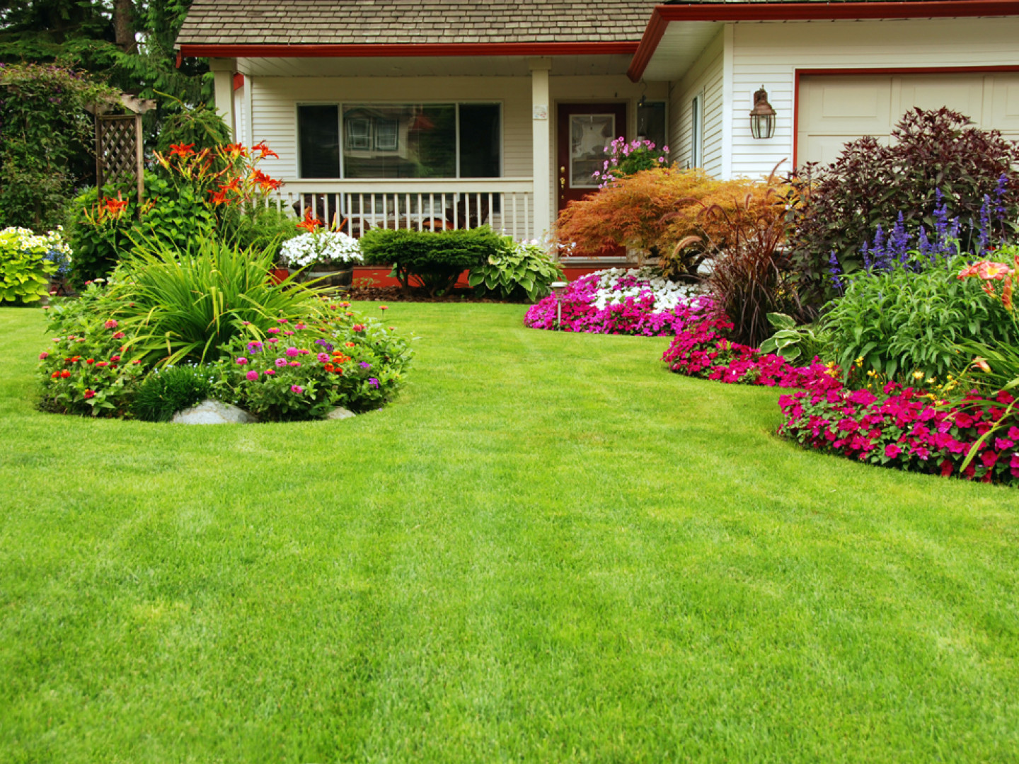What can you expect from our lawn maintenance company?